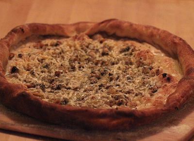 White Clam Pizza Best Dates for Foodies: HowAboutWe Reveals Dining + Drinking Habits of Daters