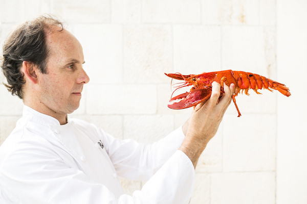 Blog Southern Chefs Chef Luis Roger with lobster copy