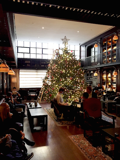 Christmas Restaurant Nyc.8 Festive Nyc Restaurants With Dazzling Holiday Decorations