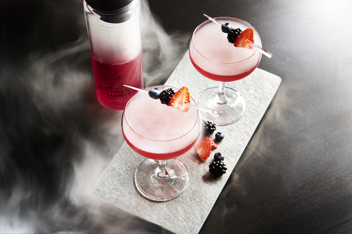 Sippable smoke 6 eye catching cocktails with dry ice for Mitchell s fish market edgewater