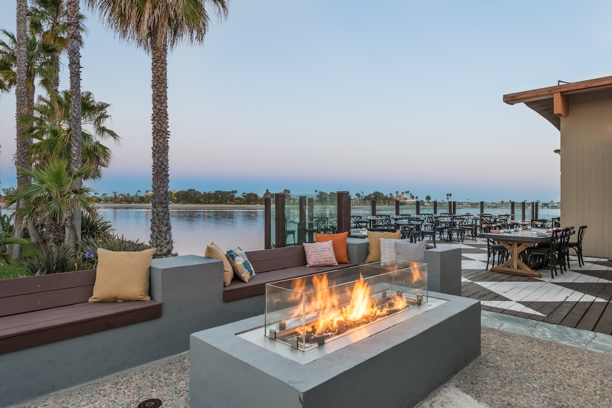 restaurants with fire pits