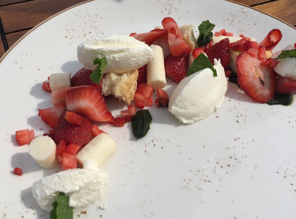 restaurants for strawberry shortcake