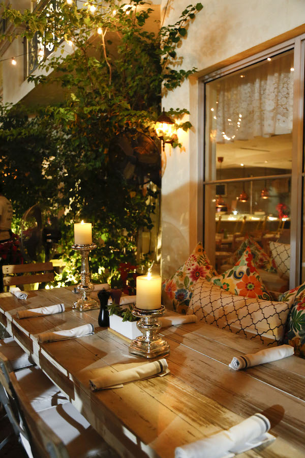 Isn T It Romantic Restaurants With Candlelight Dining