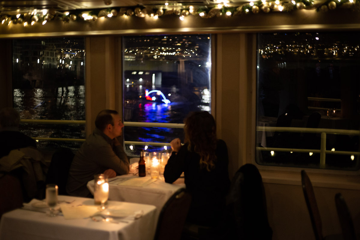 Isn T It Romantic Restaurants With Candlelight Dining For