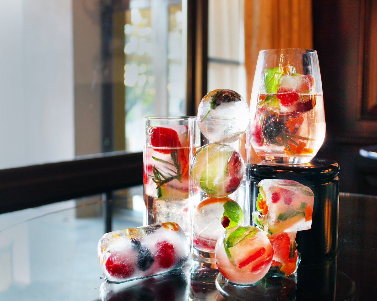Cocktails with Infused Ice Cubes