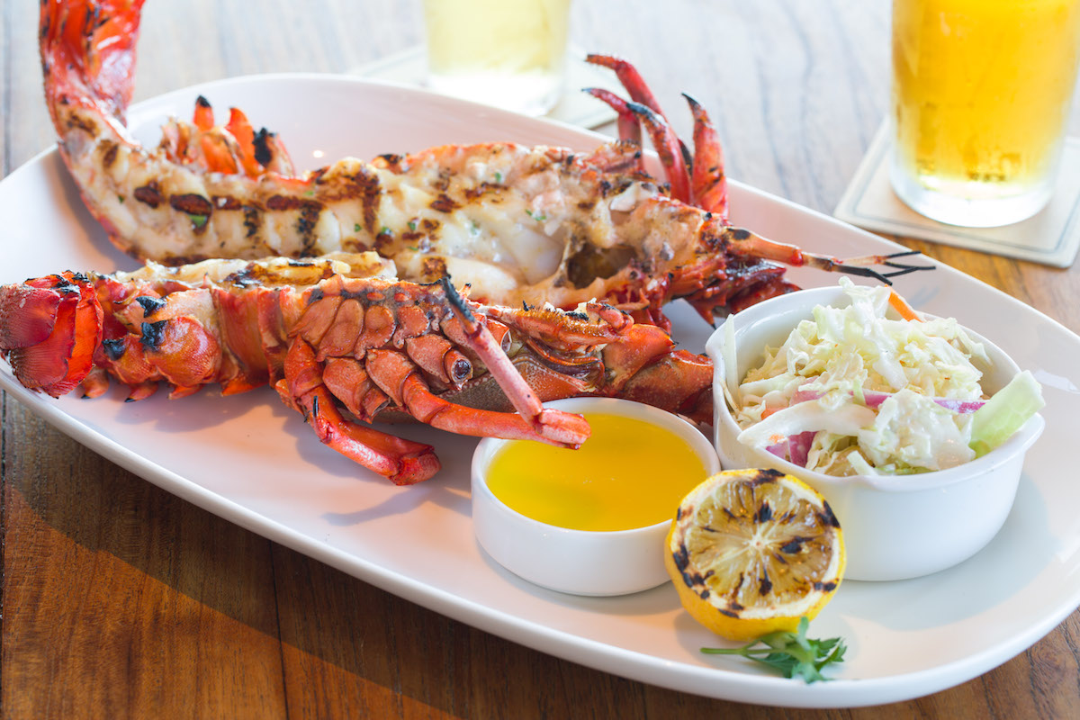 How to Eat a Whole Lobster at a Restaurant Like a Pro
