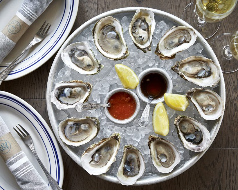 A dozen oysters on ice